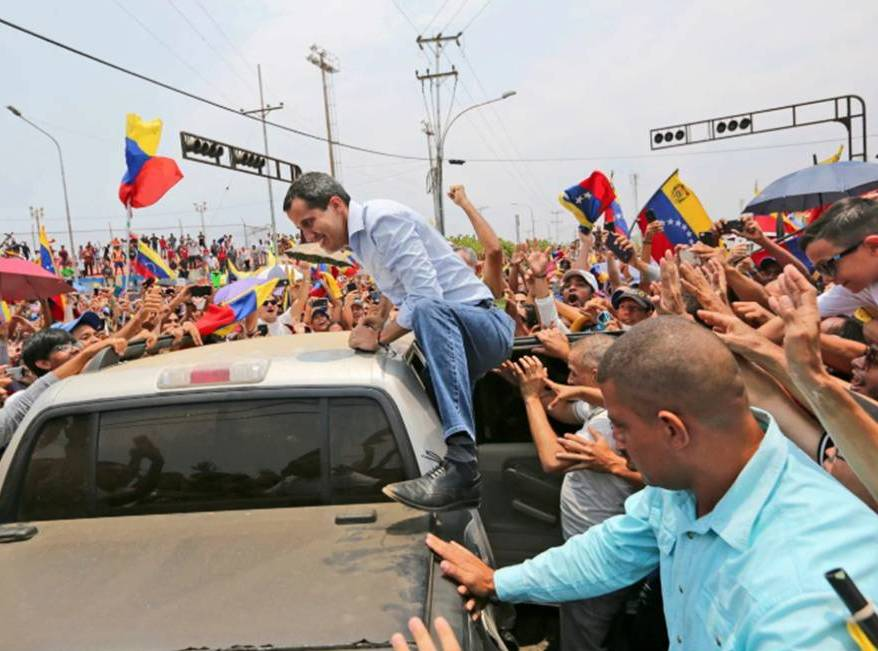 Venezuela's Guaidó waging election-style campaign in a country with no plans for an election - Arelis R. Hernández and Mariana Zuñiga