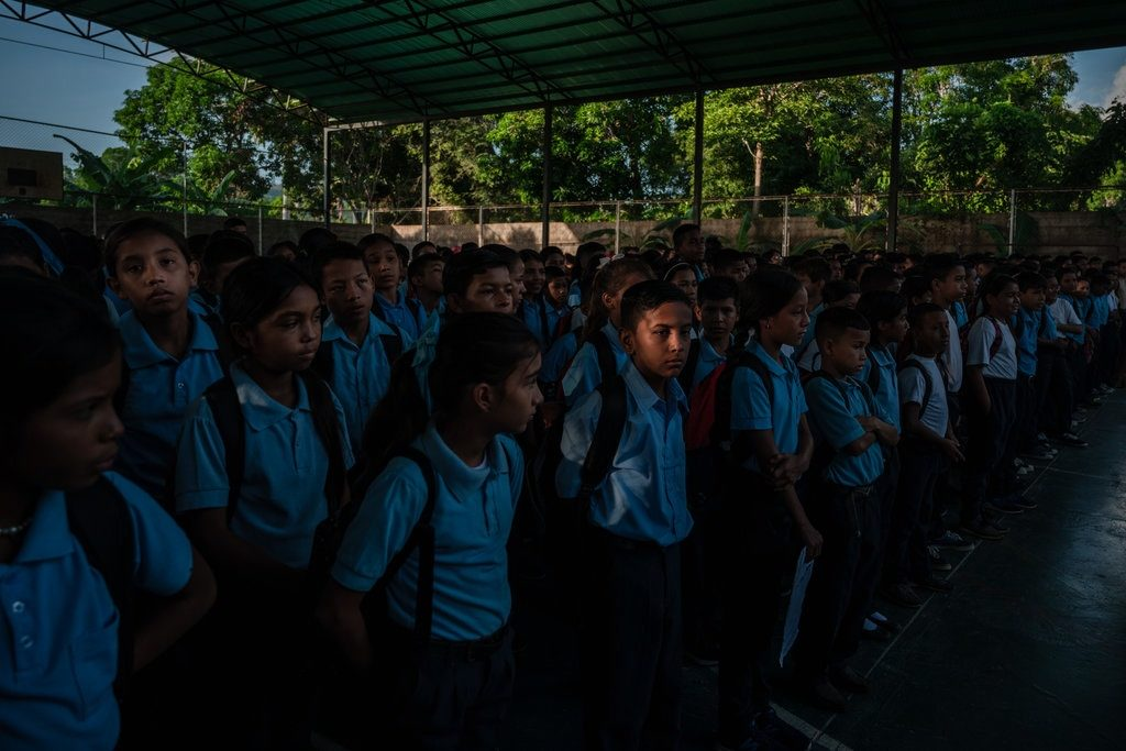 Students Fainting From Hunger in Venezuela's Failing School System - Anatoly Kurmanaev and Isayen Herrera